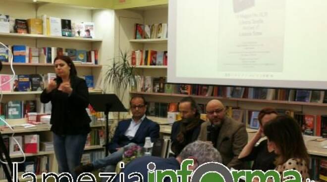 public/img/varie/romanzoiosonola-more2019519174935200_1.jpg