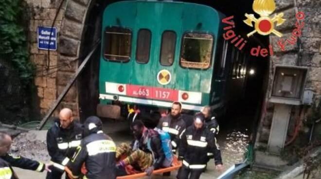 public/img/varie/trenobloccato20191124171761900_1.jpg
