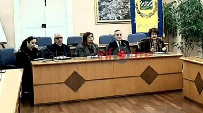 public/img/varie/relatorimarisamanzini2020111085125100_1.jpg