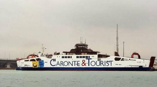caronte e tourist