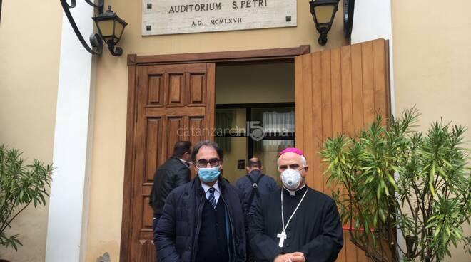 Sergio Abramo e Monsignor Bertolone