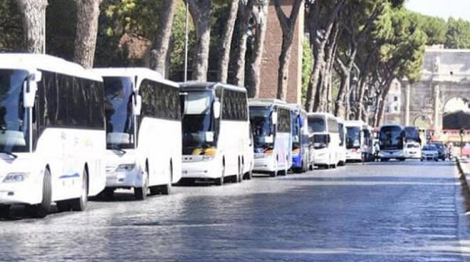 autobus e trasporto locale su gomma