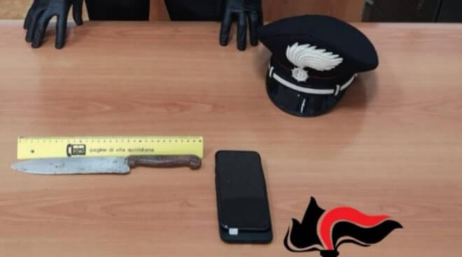 carabinieri arresto rapina coltello