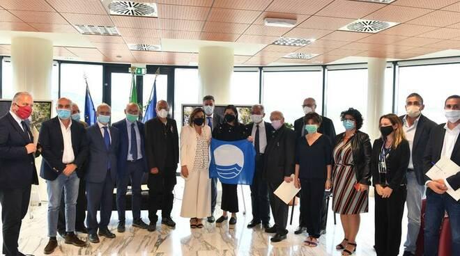 Incontro Santelli, De Caprio e sindaci Comuni Bandiera Blu
