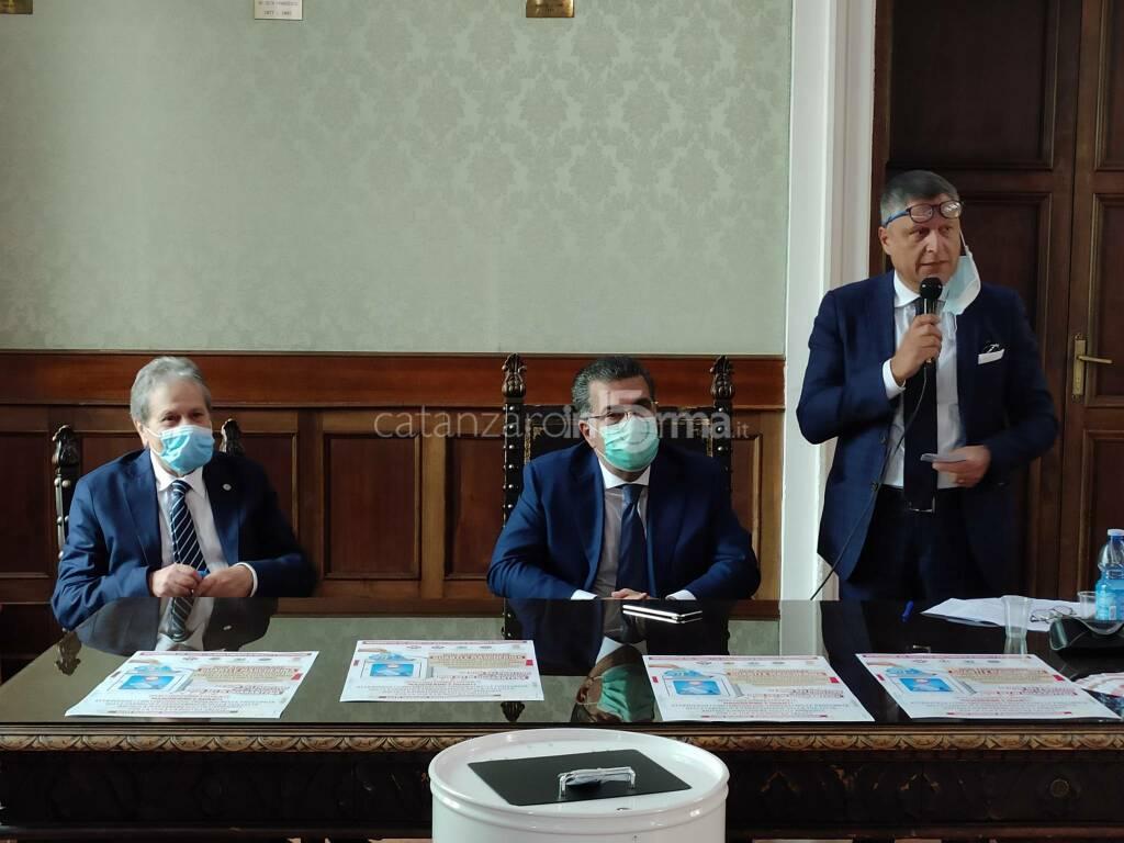 smaltimento mascherine e guanti coronavirus provincia catanzaro