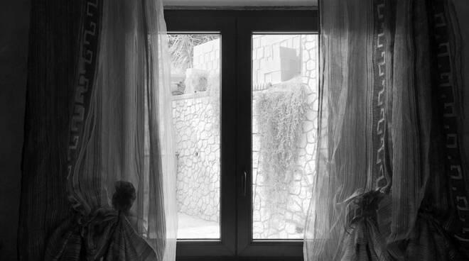 una foto alla finestra
