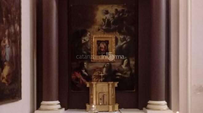 altare ligneo donato a taverna