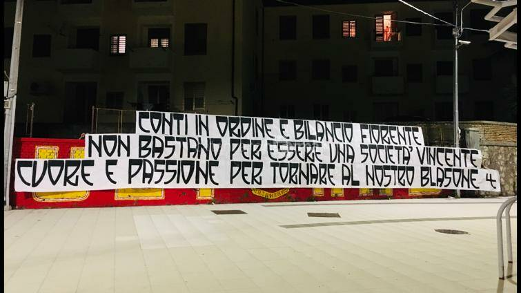Catanzaro Calcio striscione ultras