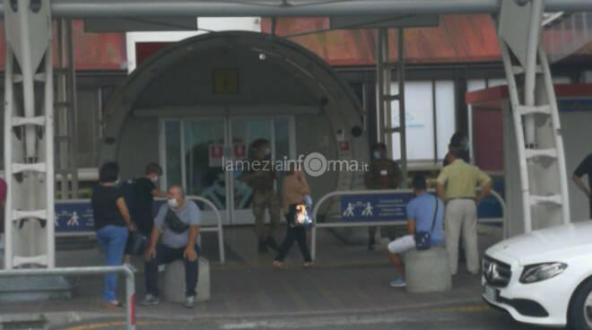 Covid aeroporto arrivi