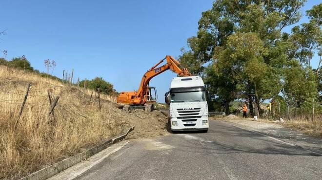 lavori strada provincia crotone