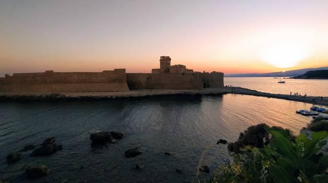 le castella isola di capo rizzuto