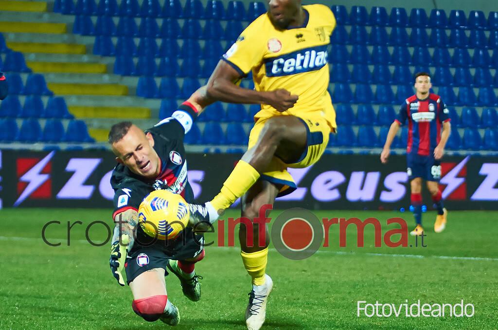 Crotone vs Parma