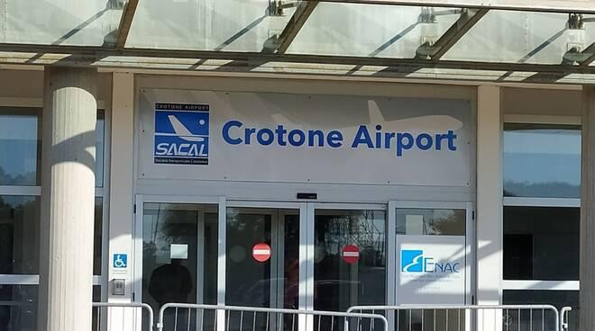 aeroporto crotone