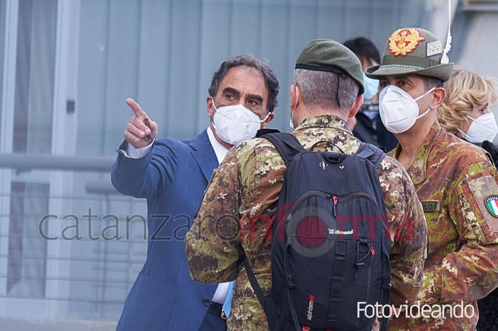 Commissario Figliuolo in visita a Catanzaro covi 19