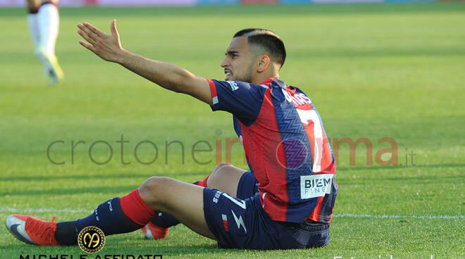 Crotone vs Cagliari serie A calcio