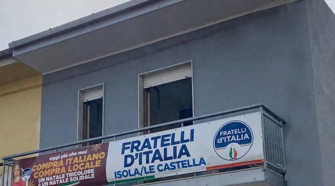 isola di capo rizzuto fratelli d italia