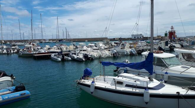 crotone porto