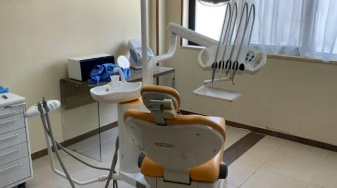 studio dentistico falso