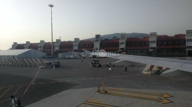 Aeroporto Lamezia oblò