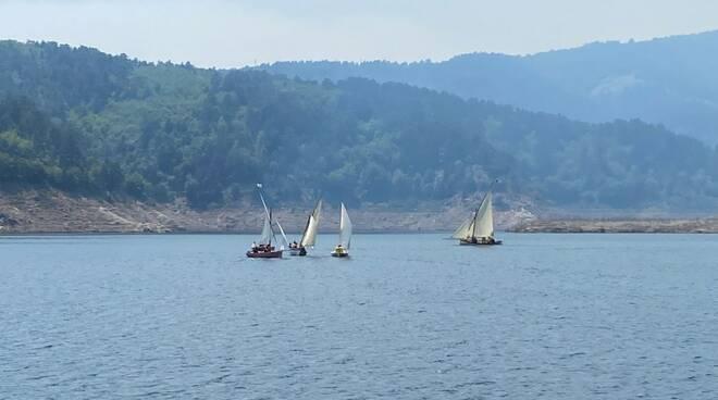 In barca a vela nel cuore dell'Aspromonte