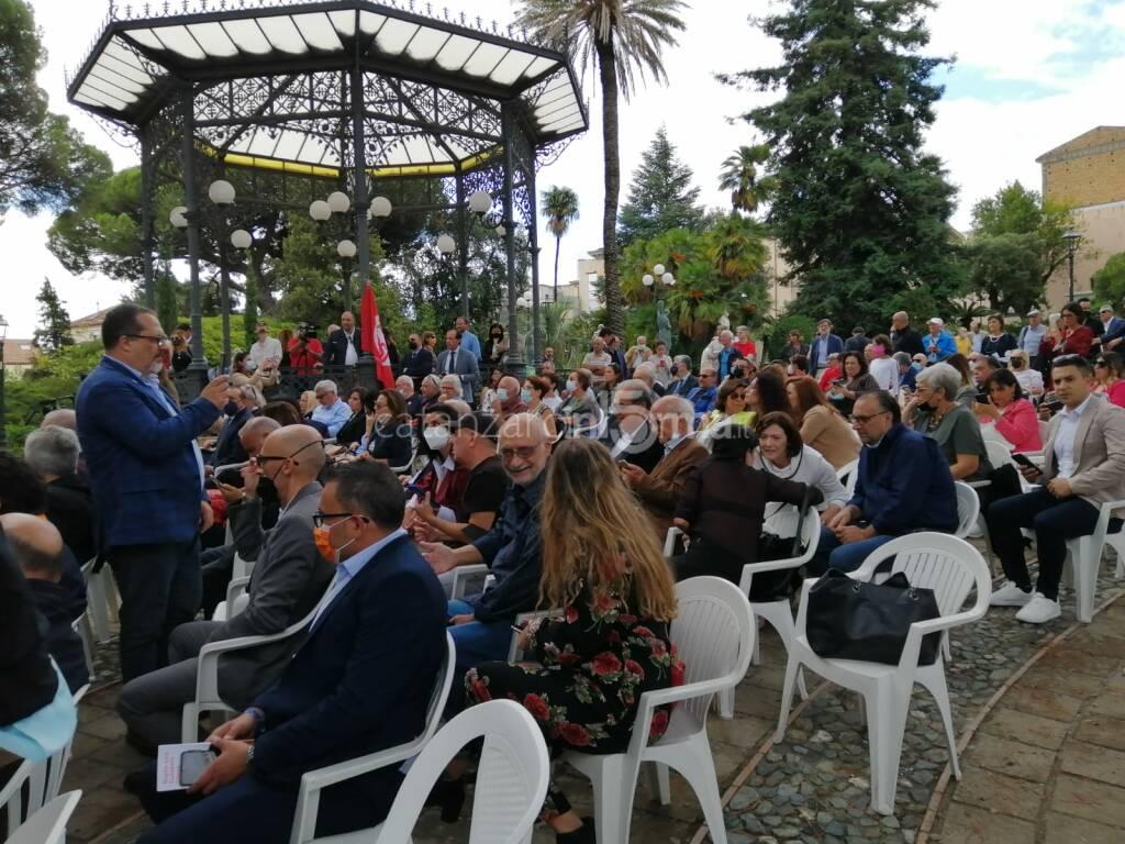 Amalia Bruni presenta le liste a Catanzaro