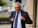Gravina, presidente FIGC, in visita a Catanzaro e la coppa dell'europeo in esposizione